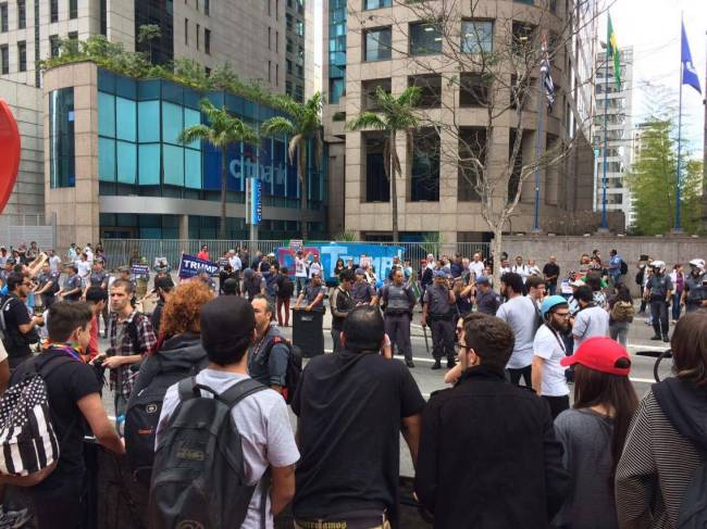 Ato a favor de Donald Trump Avenida Paulista 29.10