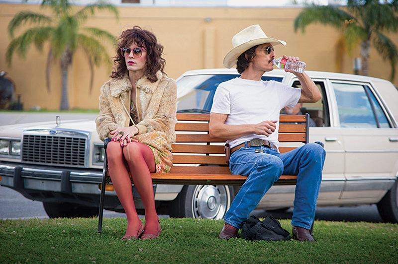 Clube de Compras Dallas: Leto, como o travesti, e o caubói homofóbico vivido por McConaughey, em lados opostos