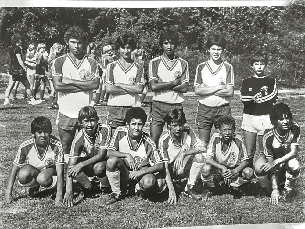 A primeira equipe, formada em 1970: mais de 1 600 títulos