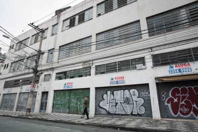 rua-anhaia-bom-retiro-crise