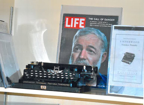 1107-typewriter-collection-3-480w