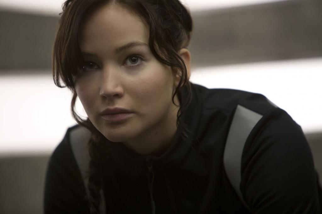 Jennifer Lawrence: a atriz continua firme e forte no papel de Katniss