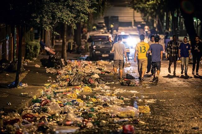 lixo copa do mundo vila madalena