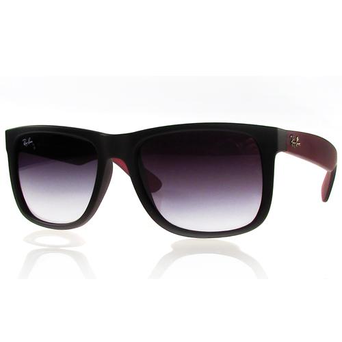 Ray-Ban Justin beterraba (RB4165L 61748): Esse modelo também unissex tem armação soft touch preta com haste burgundy (beterraba) soft touch e lentes cinzas em degrade. Preço sugerido: 399,00. SAC: (11) 3528-9310
