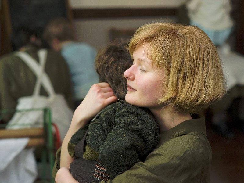 Philomena: a jovem entrega o filho para adoção