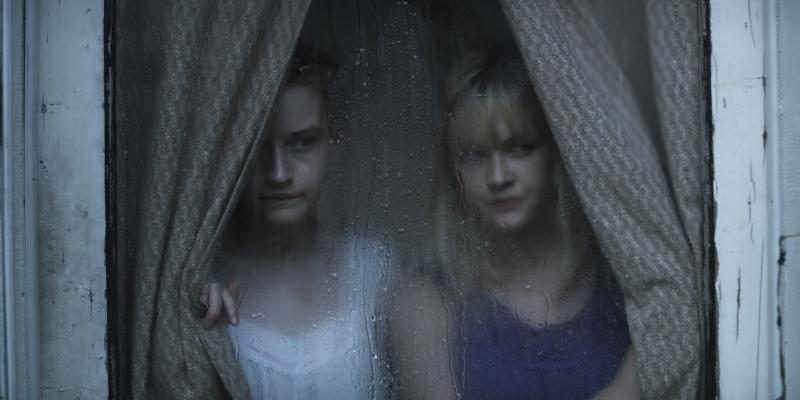 Somos o Que Somos: as adolescentes Iris e Rose