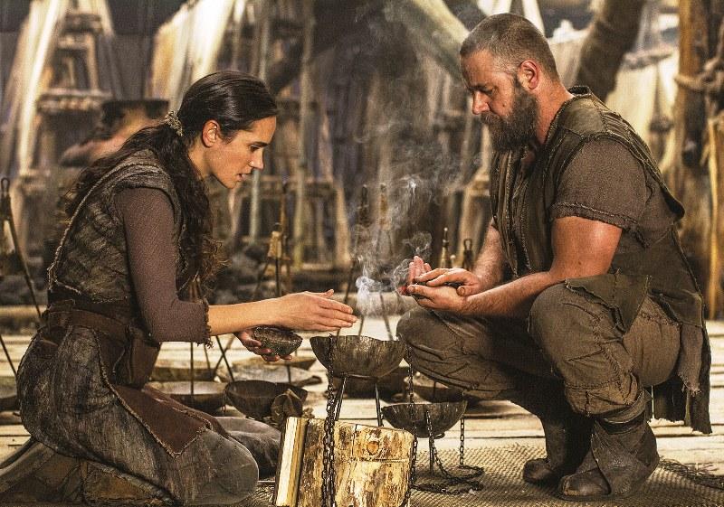 Noé: Naameh (Jennifer Connelly) e Noé (Russell Crowe)