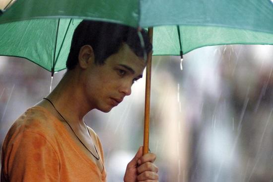 Jesus (Héctor Medina) é um garoto cubano de 18 anos tentando descobrir sua identidade