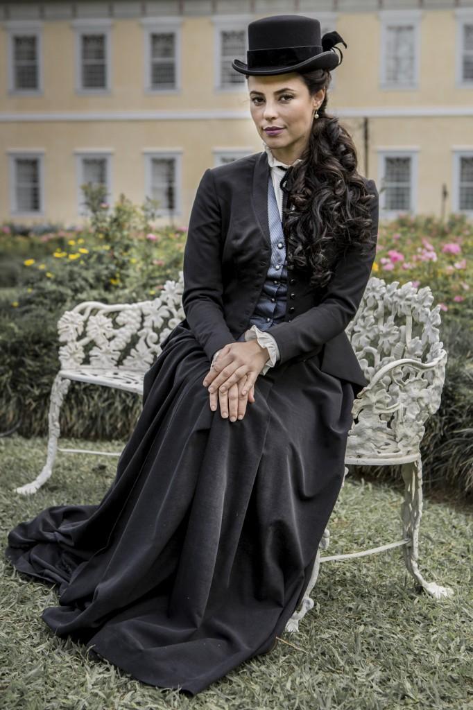 Melissa (Paolla Oliveira), a vilã da novela Além do Tempo (Foto: Globo/ Fabio Rocha)