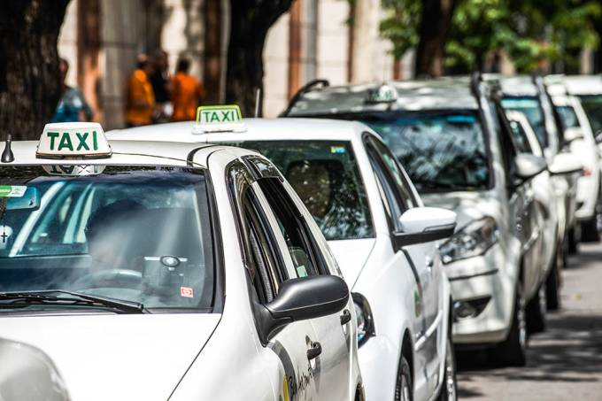 taxis taxi