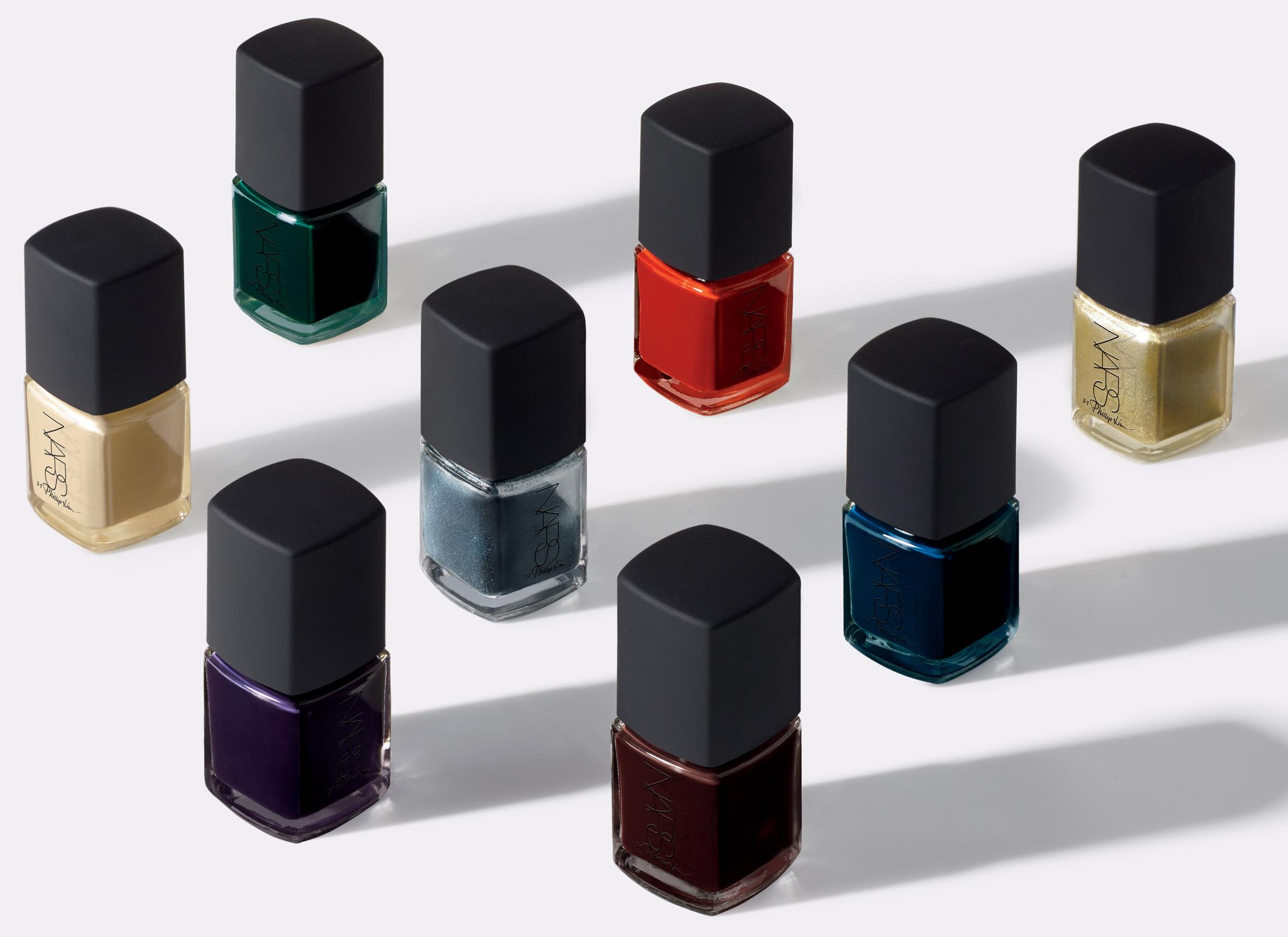 a coleção de esmaltes criada em parceria com o famoso estilista Phillip Lim para a Nars apresenta seis cores vibrantes, cremosas e cintilantes. Preço sugerido: R$ 74