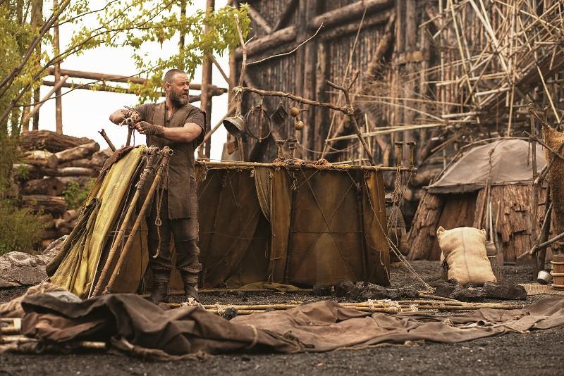 Noé: Russell Crowe na pele do protagonista, construindo a arca antes do dilúvio