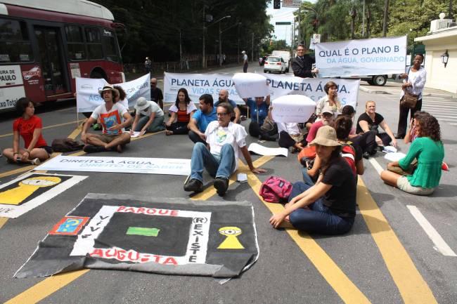 Protesto falta de água