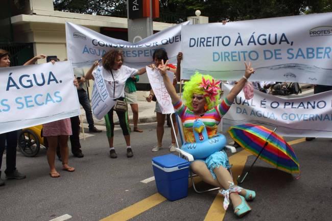 Protesto água