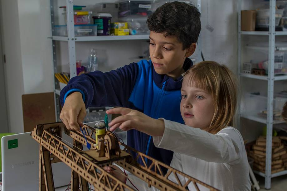 MundoMaker: construa seu próprio brinquedo