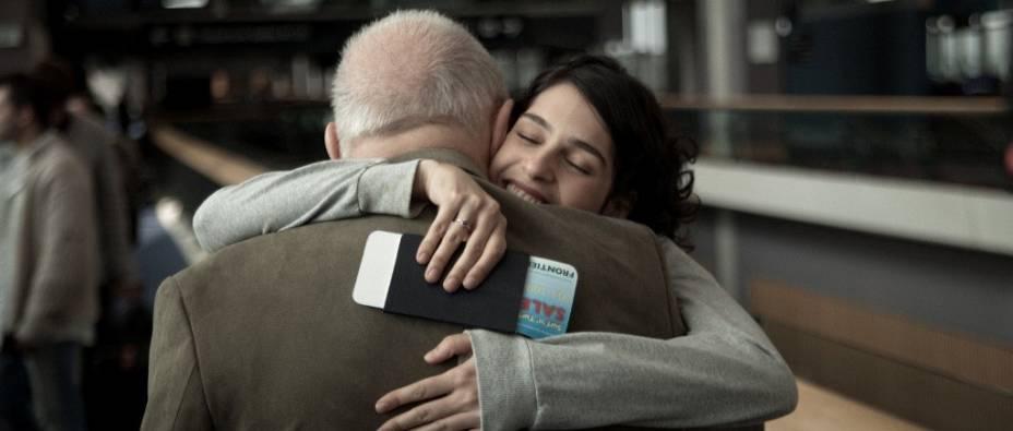 Anthony Hopkins e Maria Flor em 360: amizade num aeroporto