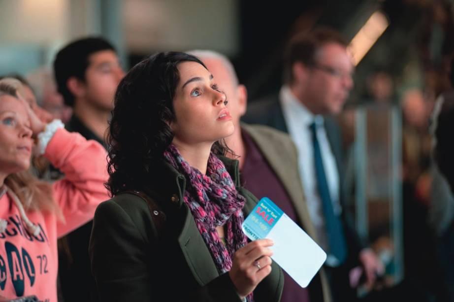 A atriz Maria Flor, uma das protagonistas, de 360: drama dirigido por Fernando Meirelles