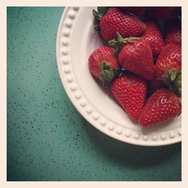 """Gosto de todas as fruta, mas amo morangos!"", diz Fernanda Marchioro (@fernandamarchioro)"