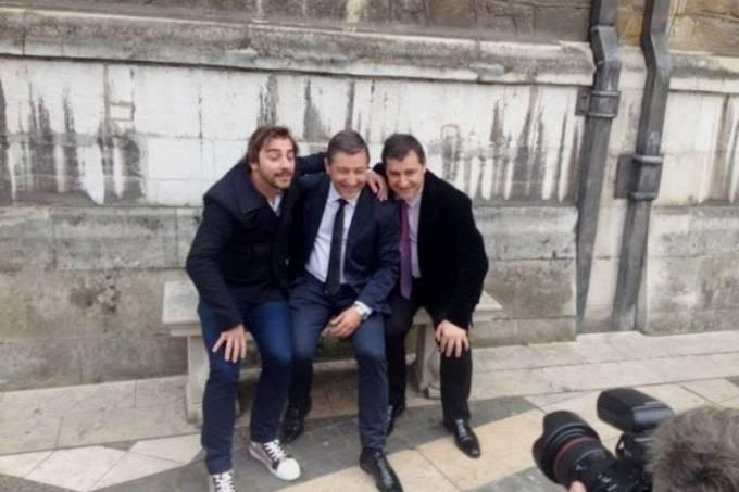 Comemoração: os irmãos Jordi, Joan e Josep Roca posam para fotos do prêmio (Divulgação 50 Best)