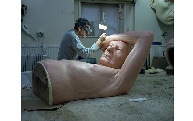 Escultura sendo produzida