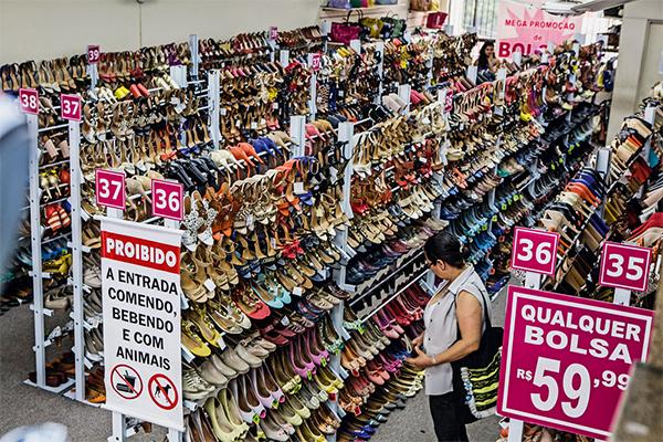 Rede Galinha Morta: sapatilhas, peep toes e escarpins por 59,99 reais