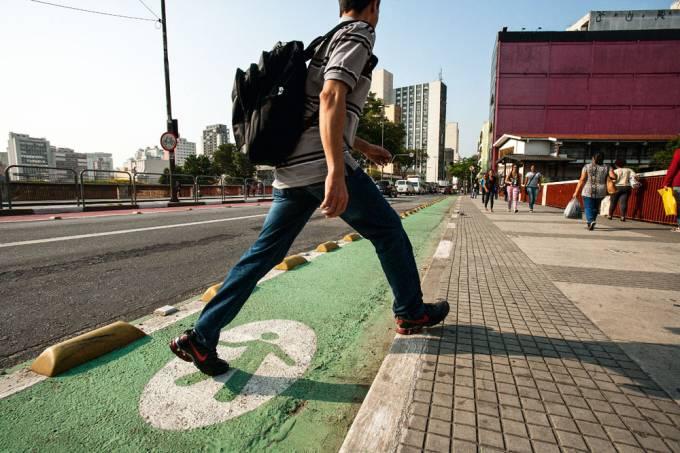avenida-liberdade-projeto-piloto-cet-faixa-verde-para-pedestre.jpeg