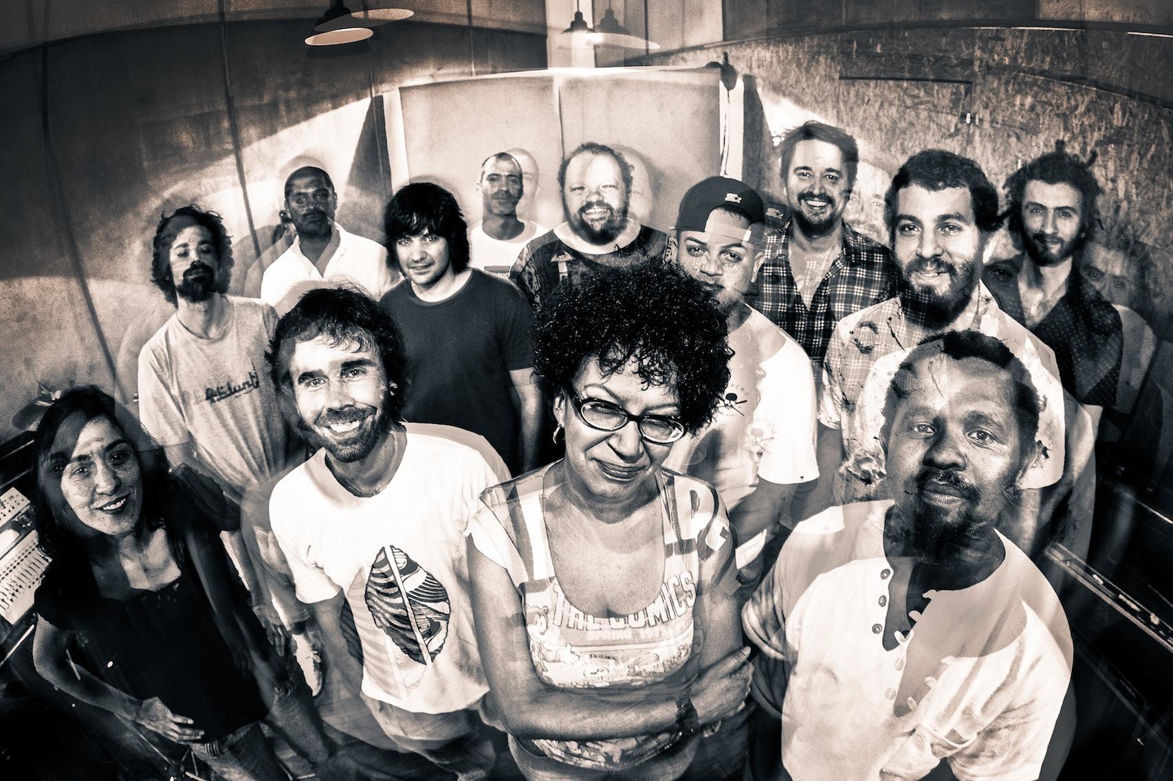 Cantores e músicos no estúdio: dois shows com ingressos esgotados (Foto: Leco de Souza)
