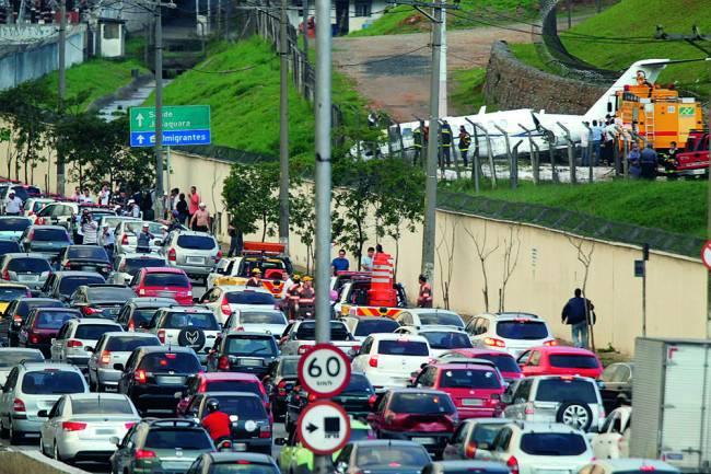 Avenida dos Bandeirantes - 2296 - Acidente