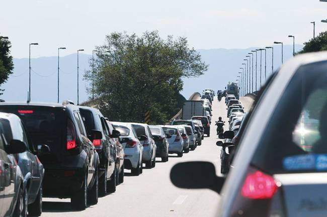 Congestionamento Imigrantes