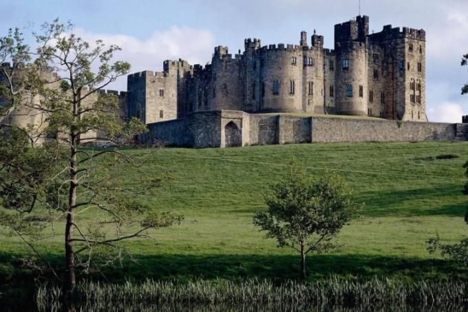 alnwick-castle-e1417206105447
