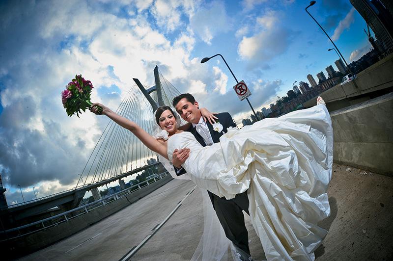 Um dos locais mais badalados e os manjados para fotos de casamento