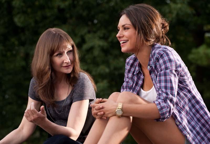 Patricia Clarkson e Mila Kunis: atrizes interpretam mãe e filha na comédia Amizade Colorida