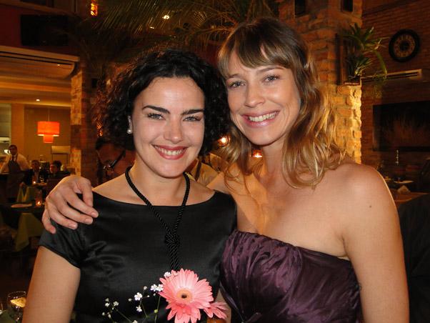 Ana ao lado de Luana Piovani, durante as gravações da minissérie 'Na Forma da Lei', seu último trabalho na TV, em 2010