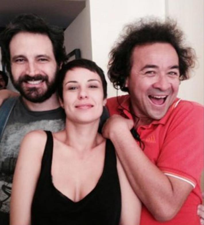 A atriz, ao lado de Caco Ciocler, que interpretará Pedro Camargo Mariano, filho de Elis, e o amigo Nilsinho Junior