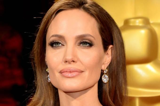 Angelina Jolie: 40 anos de idade