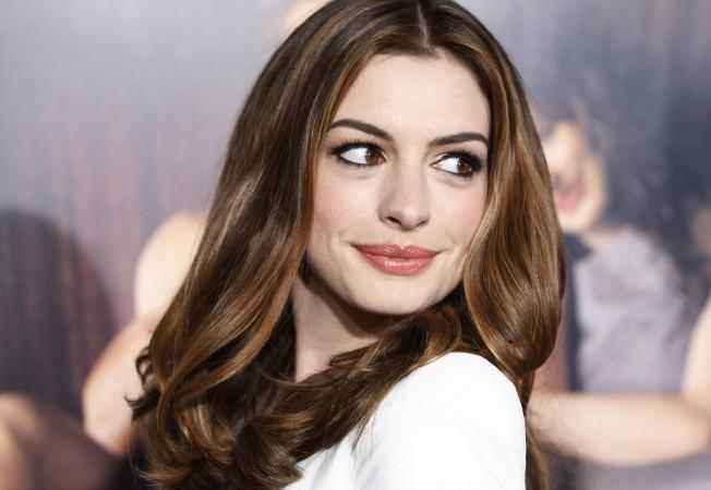 Anne-Hathaway1