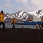 Nem o frio polar desanima a hora do futebol na Antártida (Crédito: Caio Vilela)