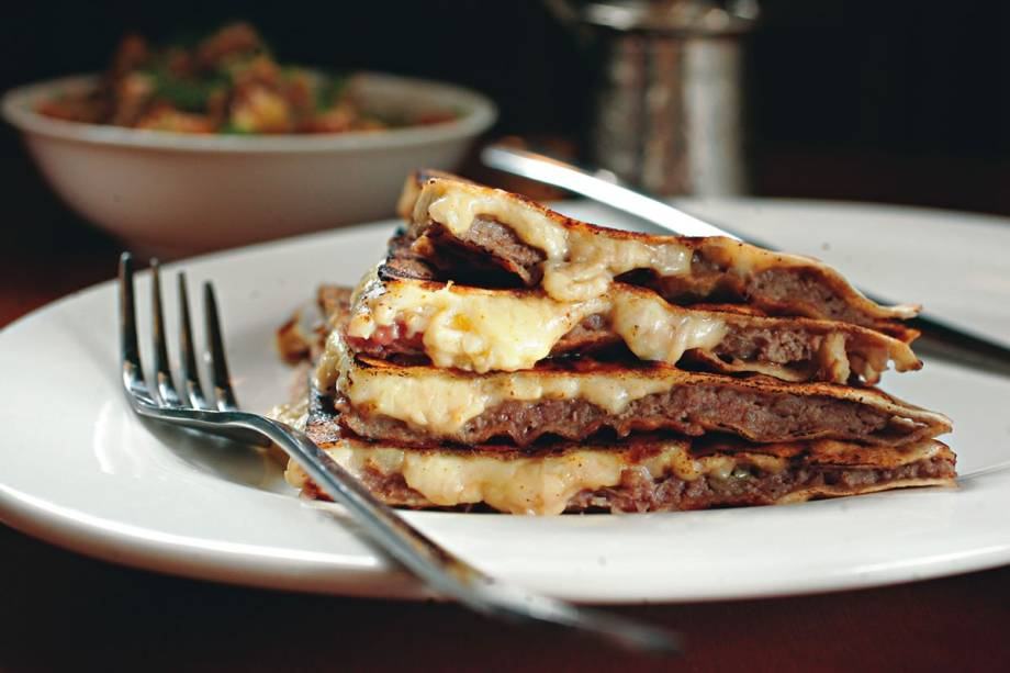 Arais de carne e queijo
