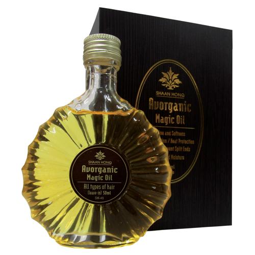 Avorganic Magic Oil, da N.P.P.E Hair Care. Formulado com ativos de óleo de abacate orgânico (certificado pela Ecocert*) e fluídos de silicone, o Avorganic Magic Oil proporciona aos cabelos hidratação, brilho, maleabilidade e maciez. Preço sugerido: R$ 125,50. SAC: (11) 3876-9198
