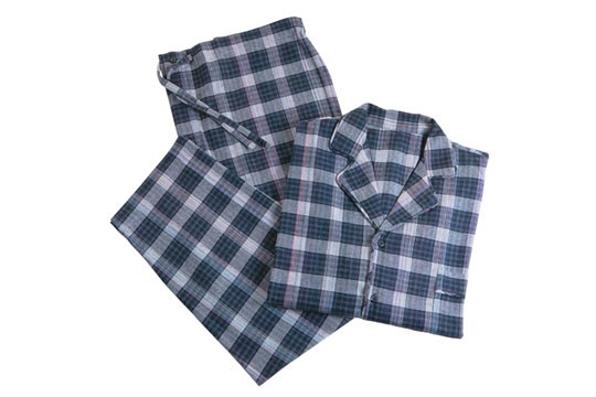 Pijama de flanela masculino, R$ 259,00. Pijamah Empório, Rua Joaquim Antunes, 78, Jardim Paulista, tel.: 3062-6028.