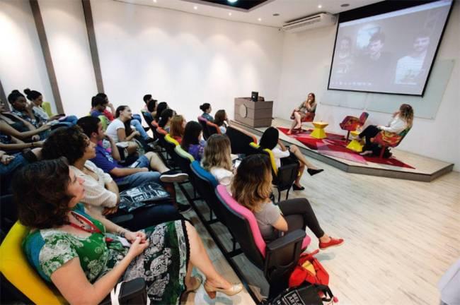 Aula magna do curso Belas Artes