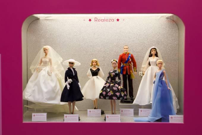 Barbie Studios e Max Steel O Herói está em você