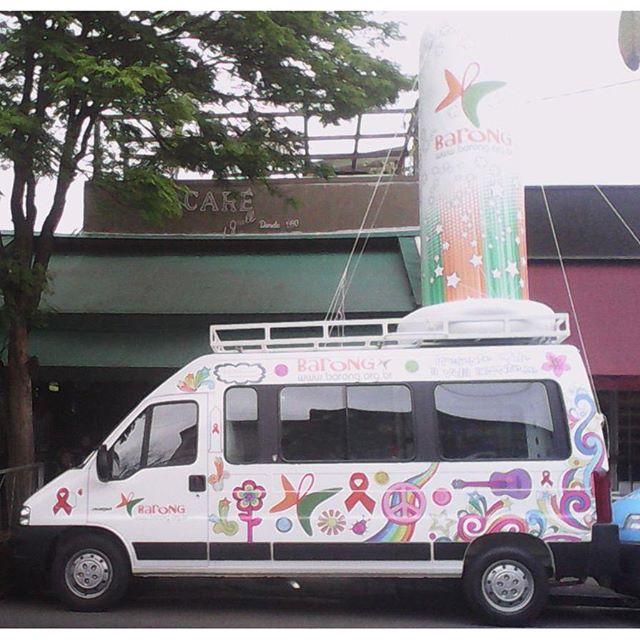 Foram investidos 188 000 reais para fazer a van-consultório do Instituto Barong