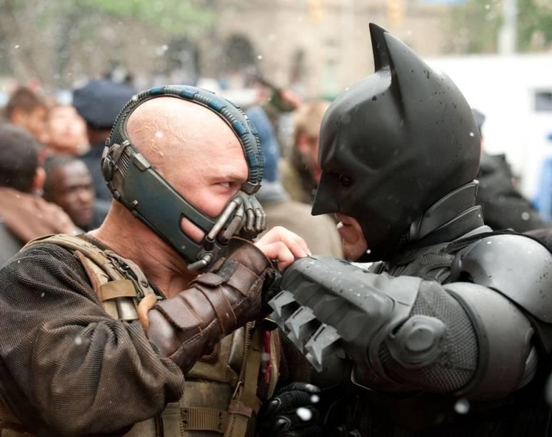 Bane (Tom Hardy) e Batman (Christian Bale): dupla está em Batman - O Cavaleiro das Trevas Ressurge
