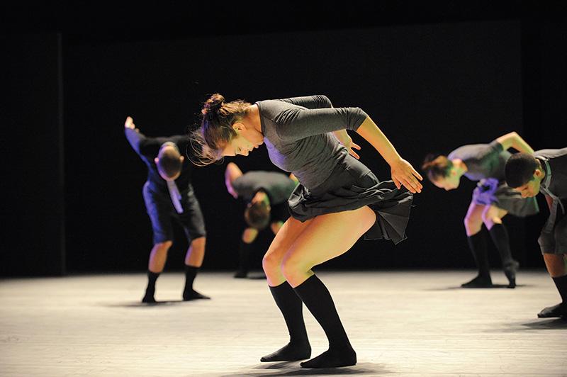 O elenco da Batsheva Dance Company, de Israel, em Deca Dance: apresentação de graça