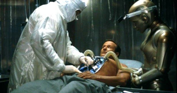 1999 - Na ficção científica dramática O Homem Bicentenário, levou as plateias às lágrimas