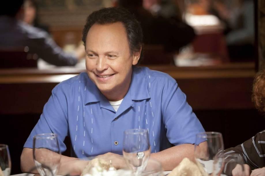 Billy Cristal é Artie Decker em Uma Família em Apuros: na difícil missão de cuidar dos netos