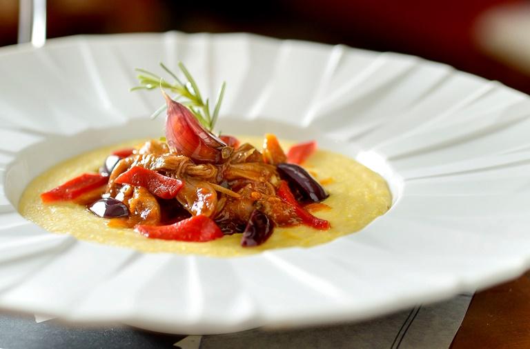 Ragu de cordeiro com polenta: sugestão do Bistrot de Paris (Fotos: Tadeu Brunelli)