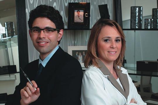 Doutor Jardis Volpe, dermatologista, e Doutora Patricia Longui, psicóloga
