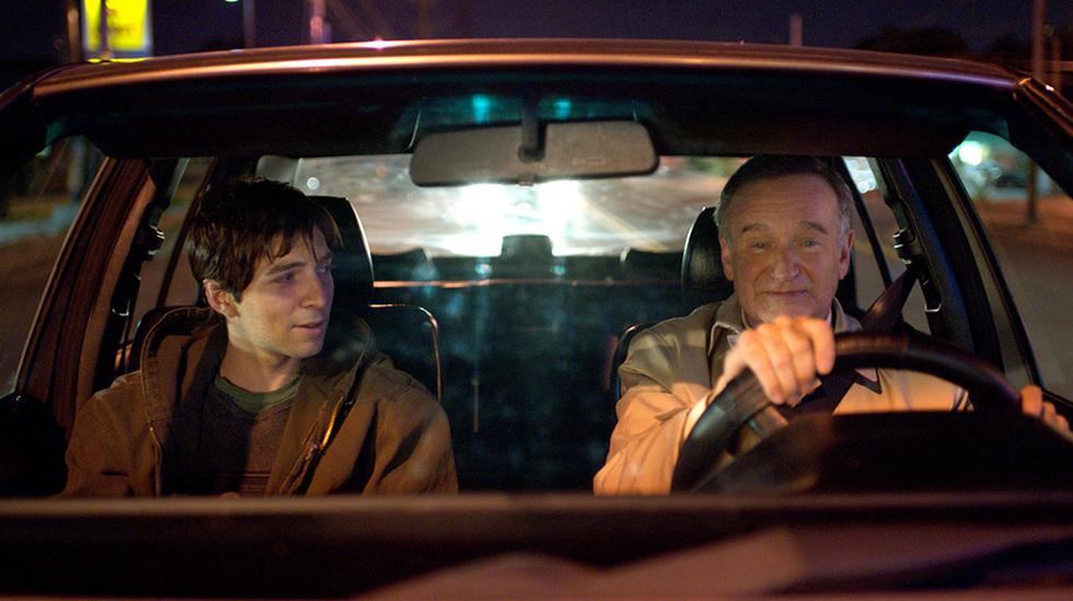 Boulevard: Robin Williams interpreta um homem casado que se apaixona por um garoto de programa